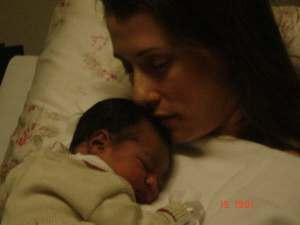O carinho de Pietra com a filha