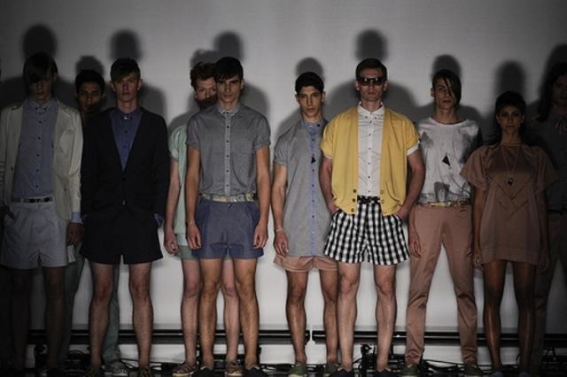 Momento final do desfile da Juss: moda masculina criada por Juliana Souza