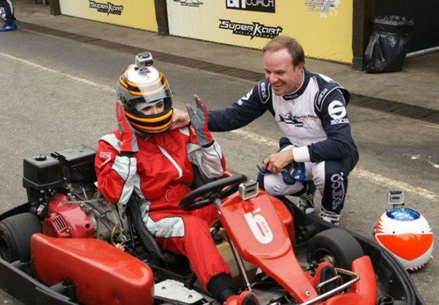 Gimenez e Barichello na pista de kart